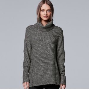 w/TAG Simply VERA WANG Oversize Turtleneck SWEATER